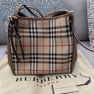 100% Authentic Burberry Bag OnSale!  $490 FIRM🌷💕